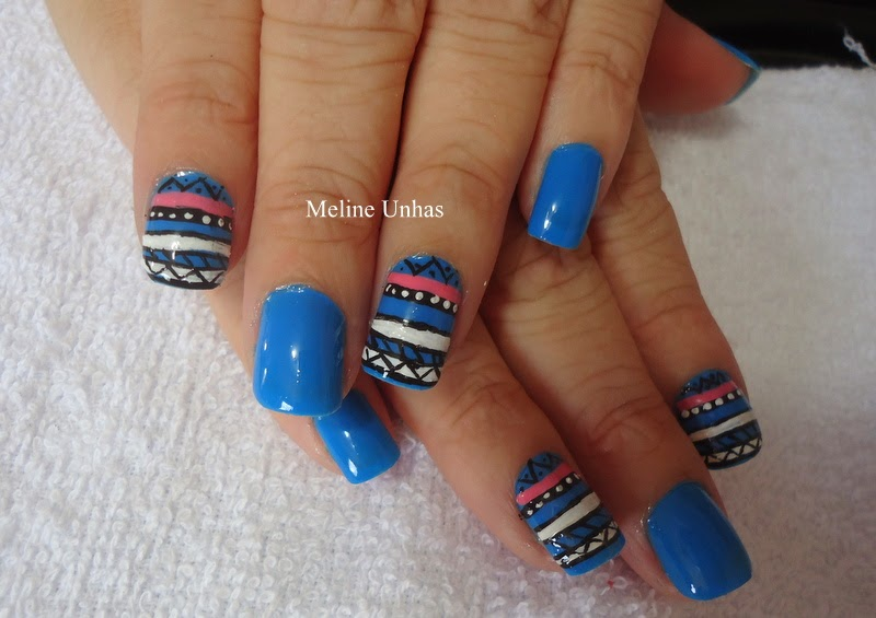 Unhas da Mel: Unhas azuis étnicas
