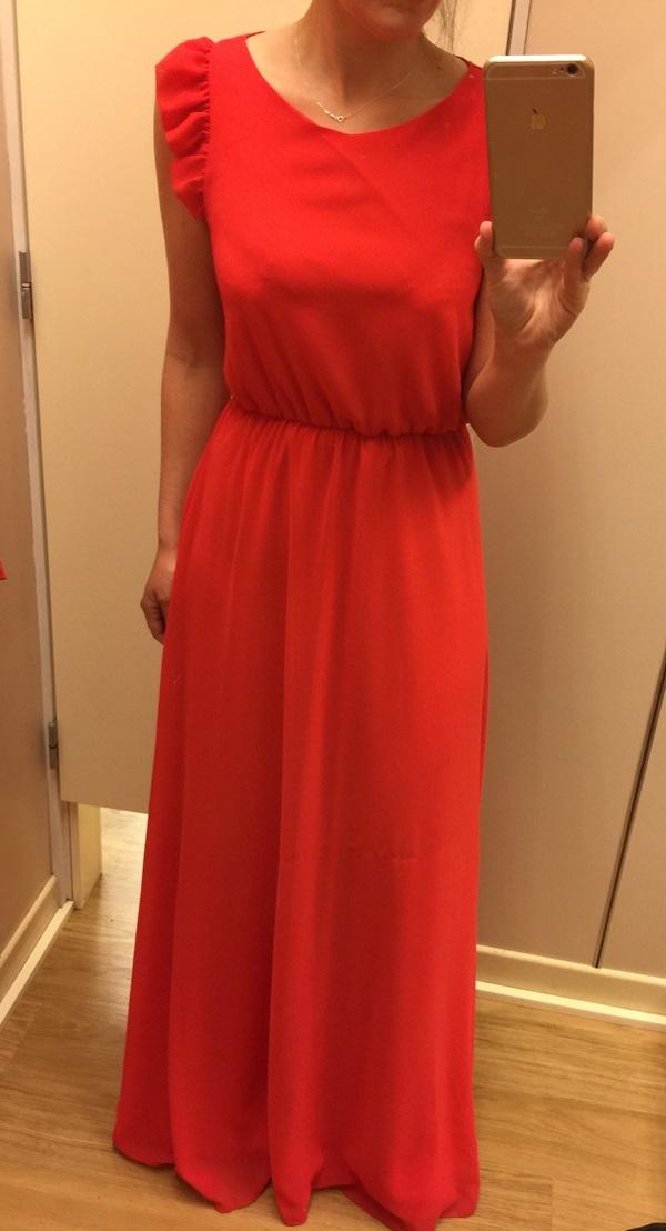 Como decorar un vestido rojo de fiesta
