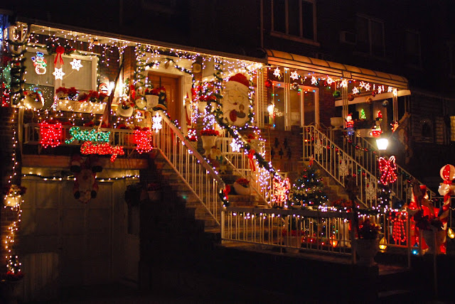 Nyc  U2665 Nyc  Brooklyn U0026 39 S Dyker Heights Home Christmas Light