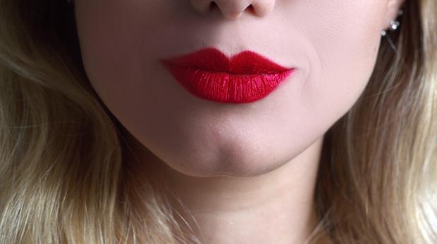 batom batons vermelhos vinho red marrom blog blogueira mullher jackysimionato loiras mac macosmeticos vult makeup maquiagem lips gloss