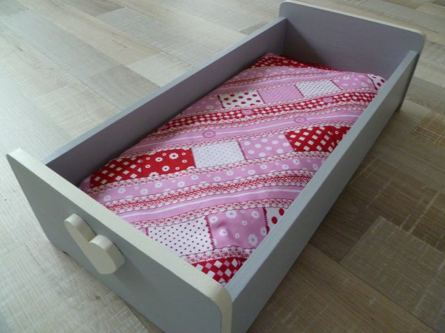 Bedwelming Marly Design: Poppenbedje / Doll crib #IC23