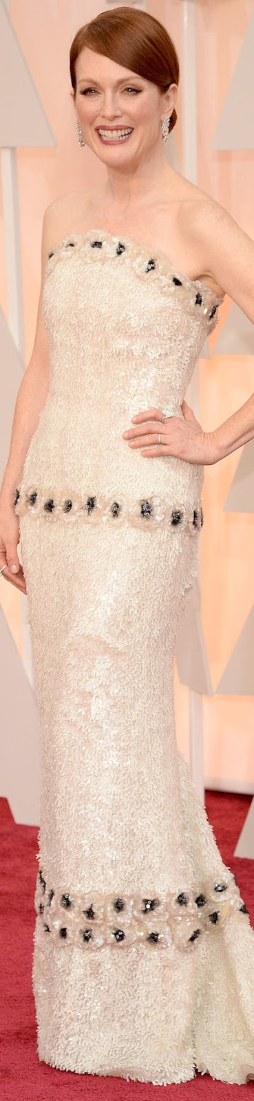2015 OSCAR RED CARPET JULIANNE MOORE