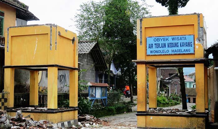 Gerbang Masuk Kawasan Wisata Air Terjun Kedung Kayang