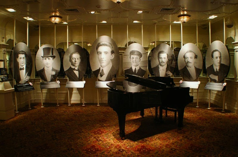 The Musicians Gallery. - The Titanic Museum in Branson