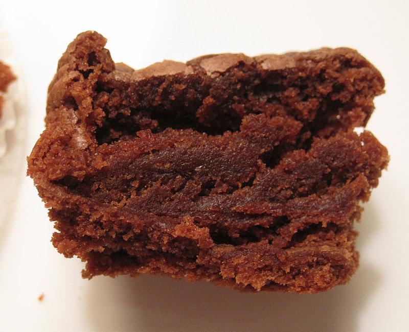Yum Yum: Nutella Fudge Mini Cupcakes & Other Baked Goodies