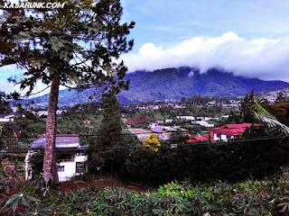 Pemandangan Gunung, Pemandangan Villa Istana Bunga, Lembang