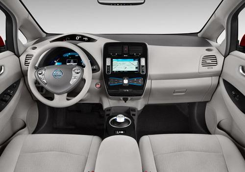 Tinuku Nissan considering future EV crossover model