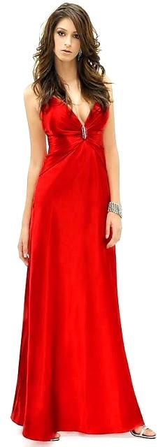 Foto de mujer con vestido largo de fiesta color rojo