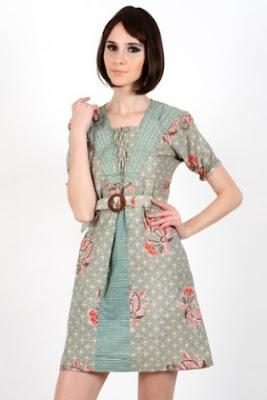 Desain baju batik santai untuk wanita