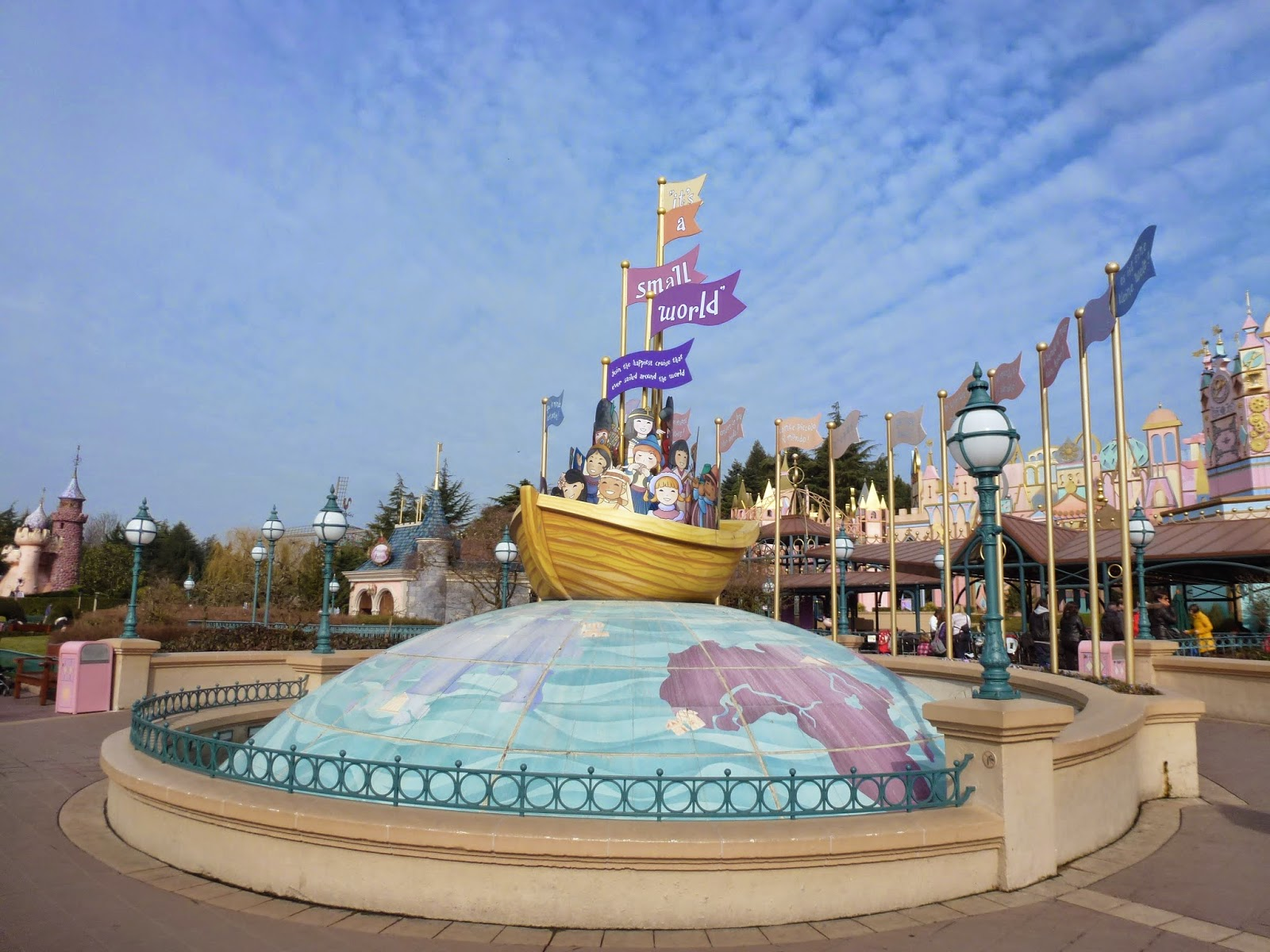 small-world-disneyland-paris