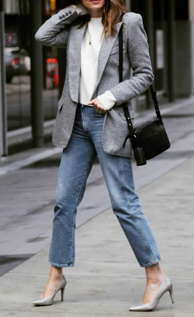 great fall outfit idea for work / grey blazer + white sweater + bag + heels + jeans