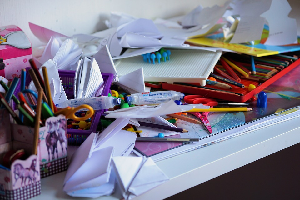 How to Break the Clutter Cycle Forever cluttered-desk