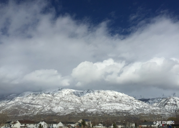 Mountains with clouds and snow // www.thejoyblog.net