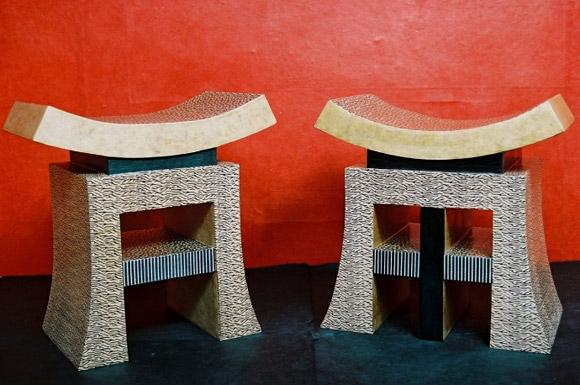 Muebles hecho con  cartón reciclado