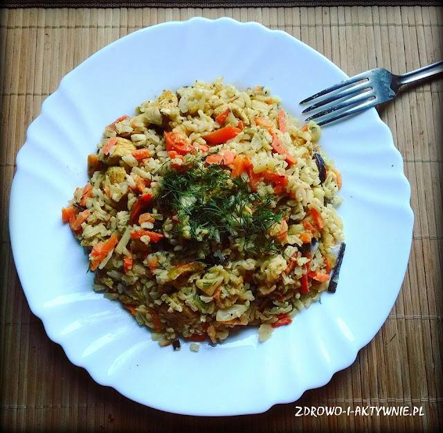 Kurczak curry z mieszanką chińską i ryżem