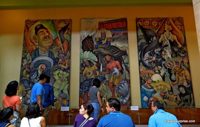 """Mural de Diego Rivera, """"Carnaval da vida mexicana"""", no Palácio Nacional de Bellas Artes"""