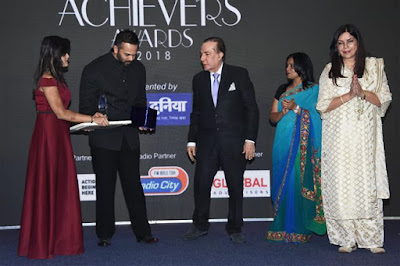 bollywood-celebs-society-achievers-awards-2018_1515993299200