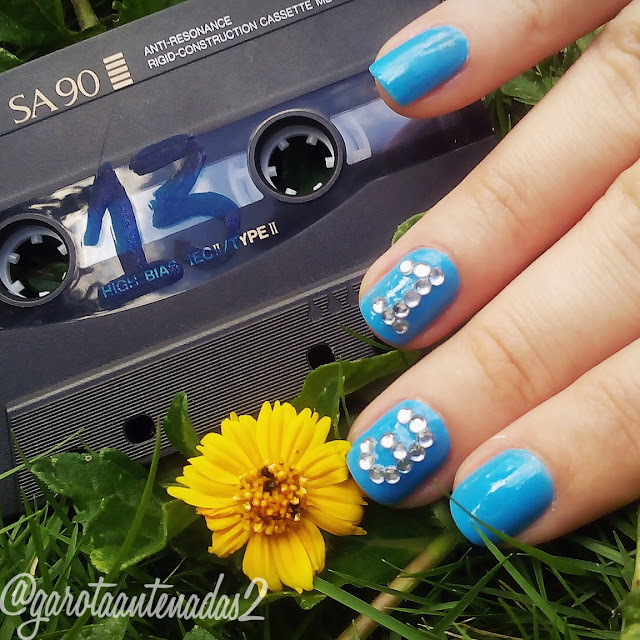 unhas-azul-inspiradas-13-reasons-why