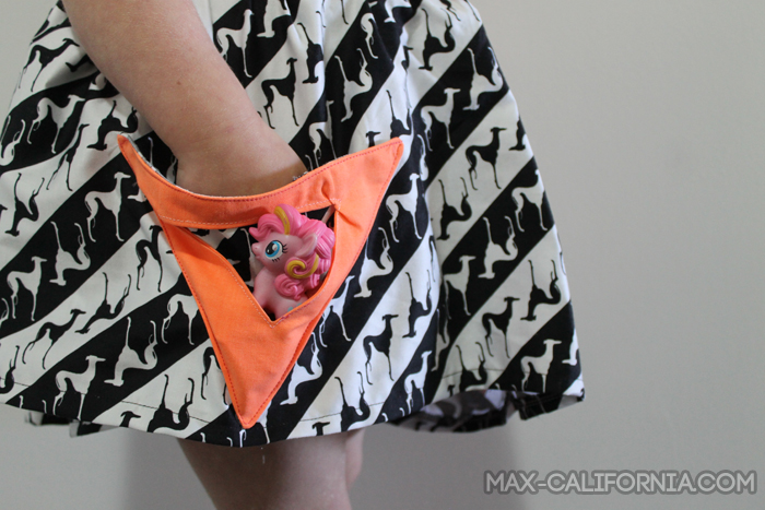 Tutorial: triangle pocket skirt - a super quick sew with triangle pockets on triangle pockets! • www.max-california.com