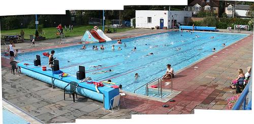 Swimming round london november 2011 for Phoenix swimming pool white city