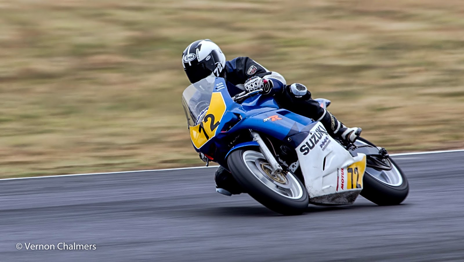 Panning with Canon EF 70-300mm IS USM at Killarney Cape Town - Photo: Vernon Chalmers