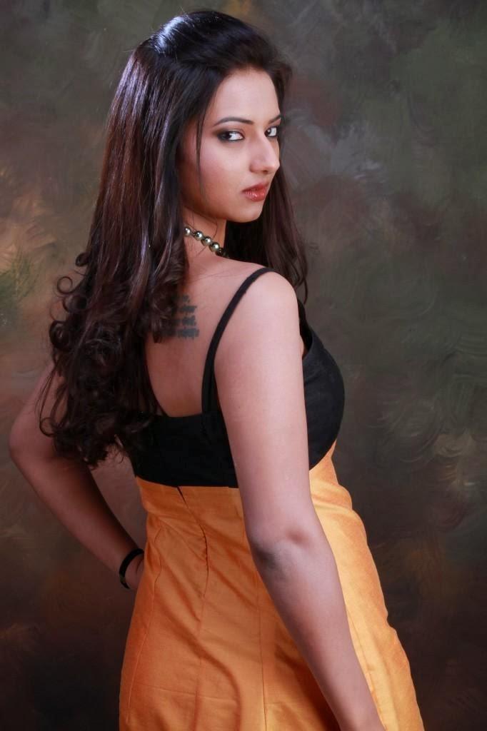 Isha Chawla Hot Gallery In Short Yellow Dress