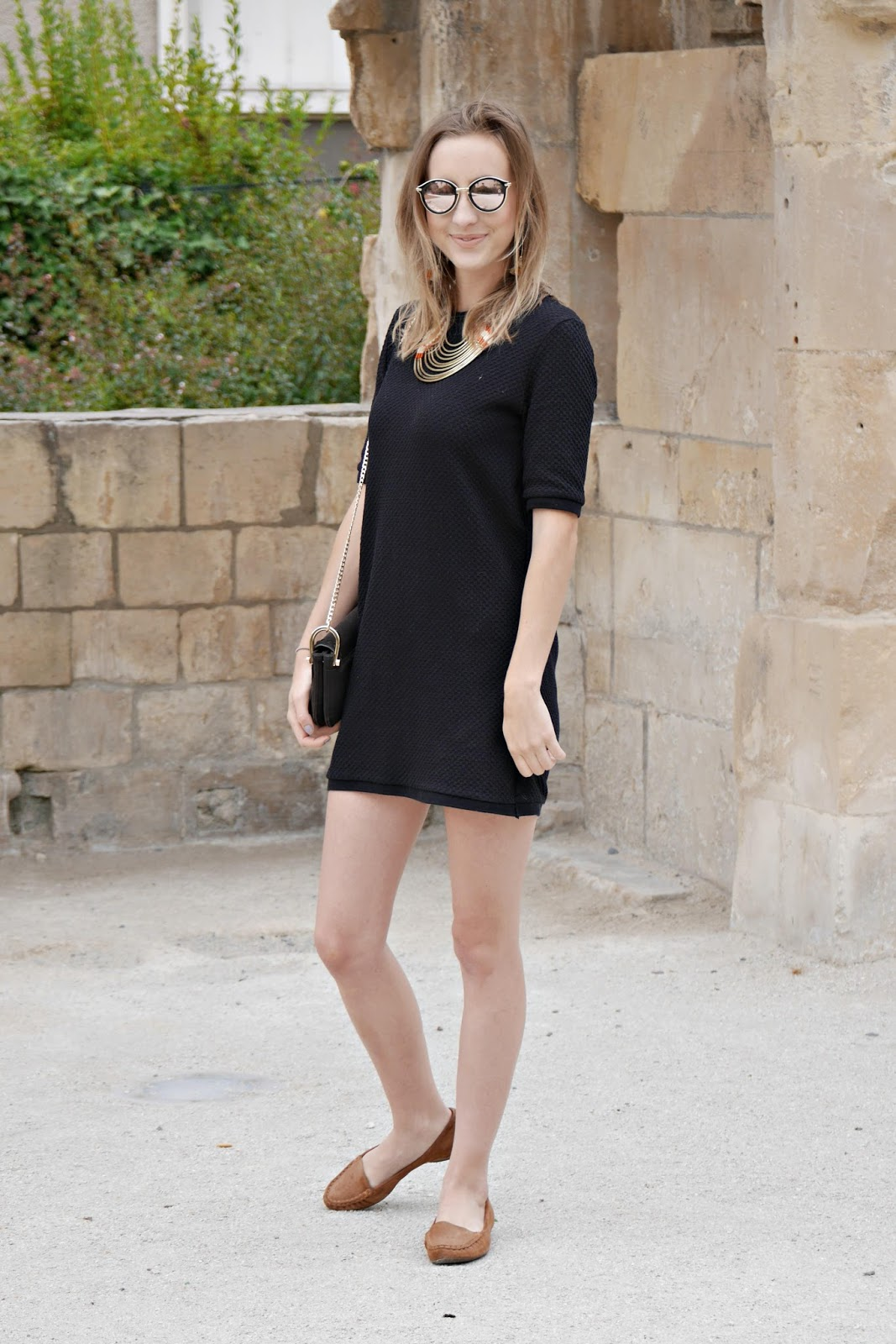 robe noire manche courte