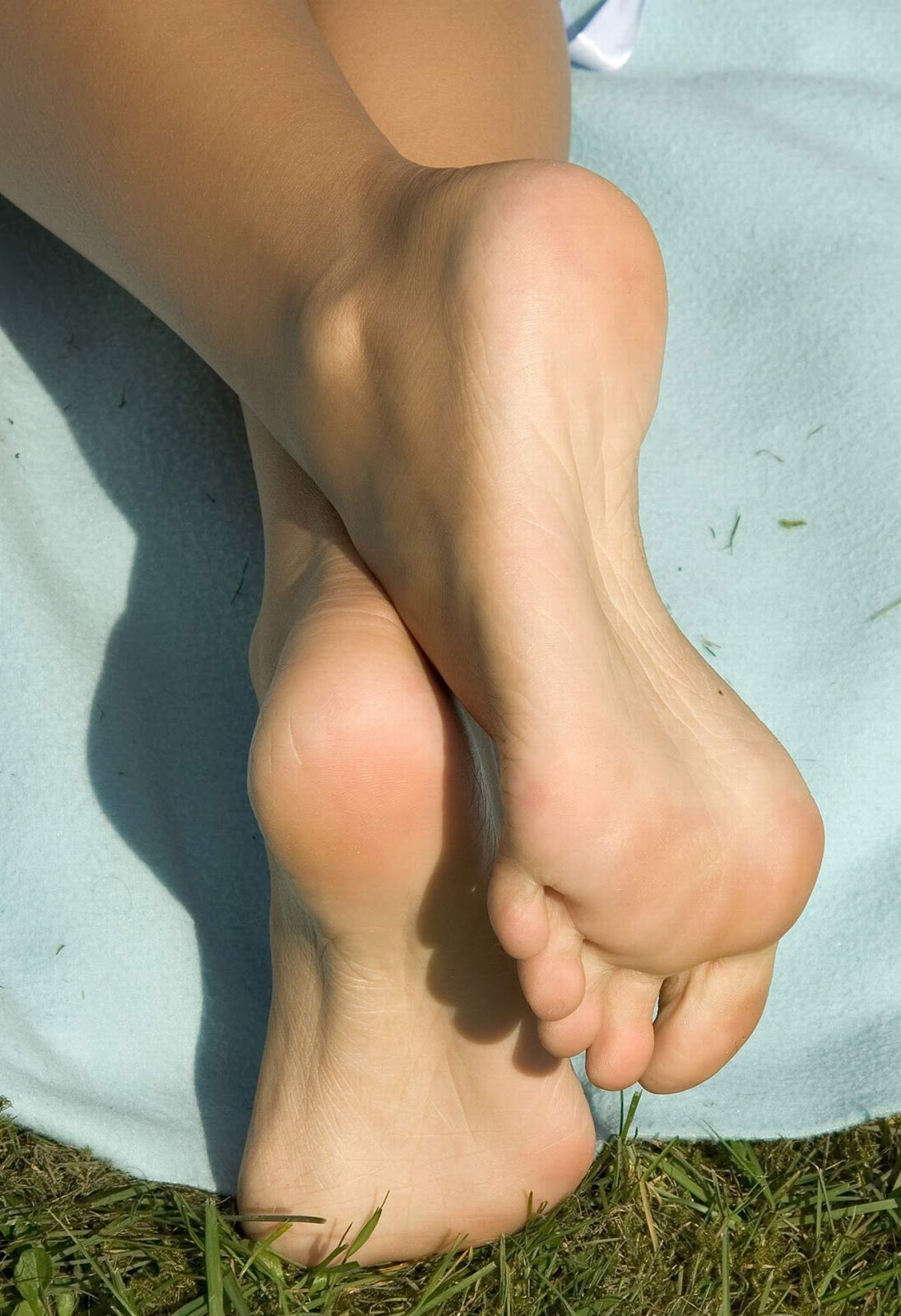 Foot fetish soles toes footjob handjob simulation
