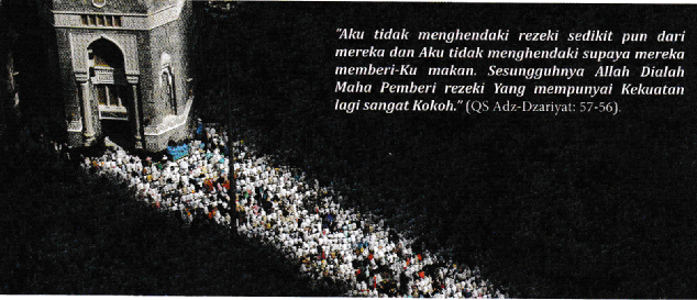 Umat Muslim Yang sedang menunaikan shalat Ashar