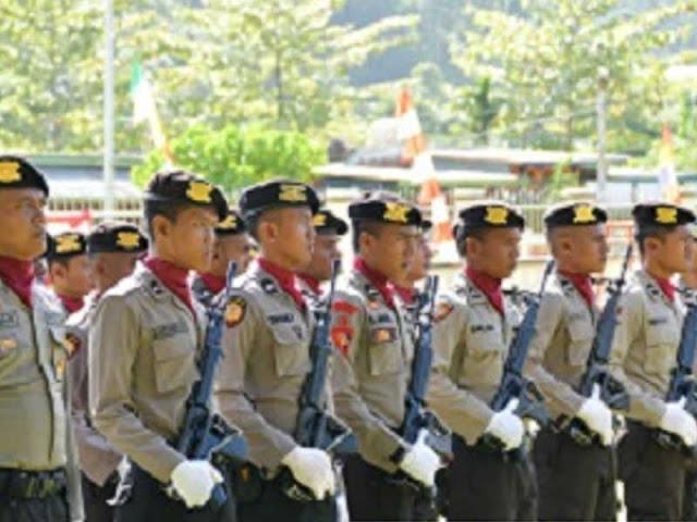 3 Anggota Polres Kepulauan Raja Ampat Terima Penghargaan