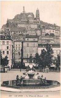le Puy, place du Breuil