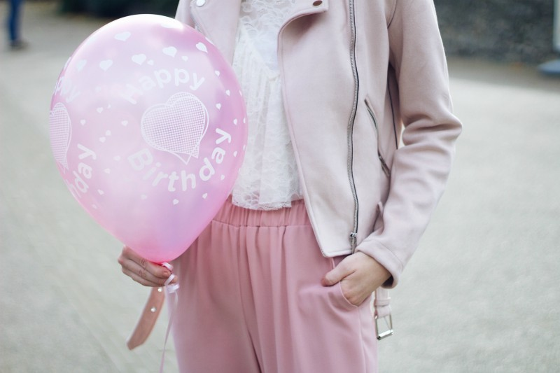 Pink outfit details