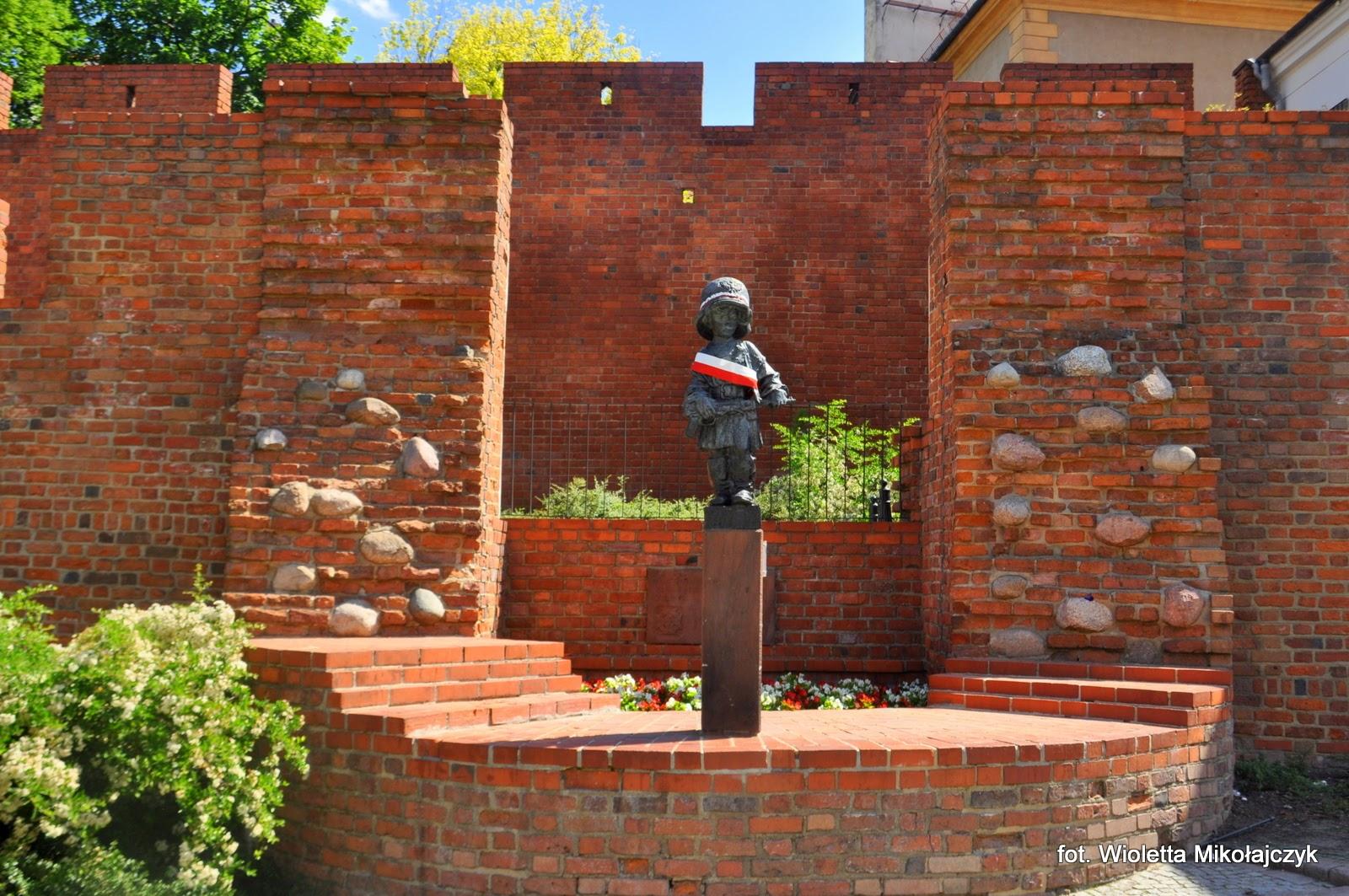 Pomnik Małego Powstańca. Pomnik burzliwej historii stolicy!