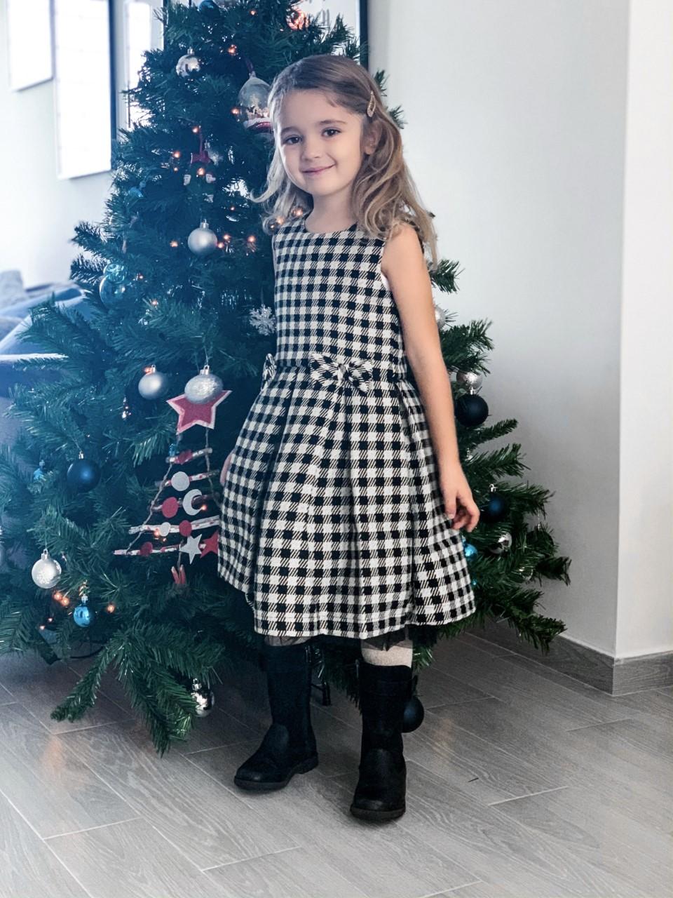 Natale è arrivato: ecco il party look di Camilla