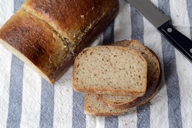 Pan de molde con suero de leche y miel