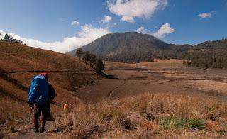 Mount Semeru Summit Trekking Tour 4 days