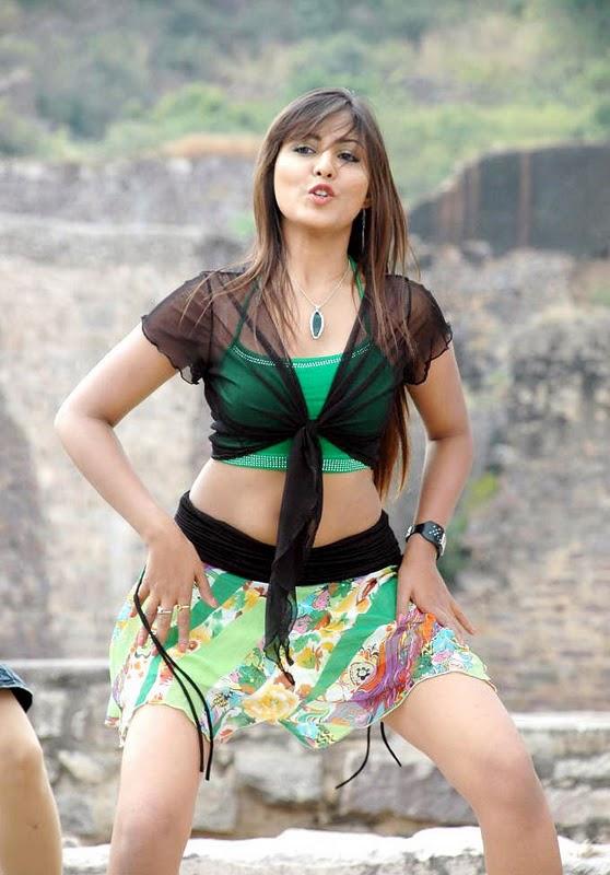 Malayalam Posters Madhu Shalini Hot Thigh And Boob Show-5719