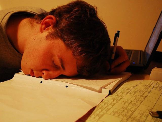 Tips Agar Tidak Mudah Bosan Menulis di Blog