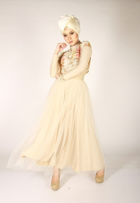 model hijab Igo Cantik baru model rok cantik manis pendaki gunung terlihat lebih keren