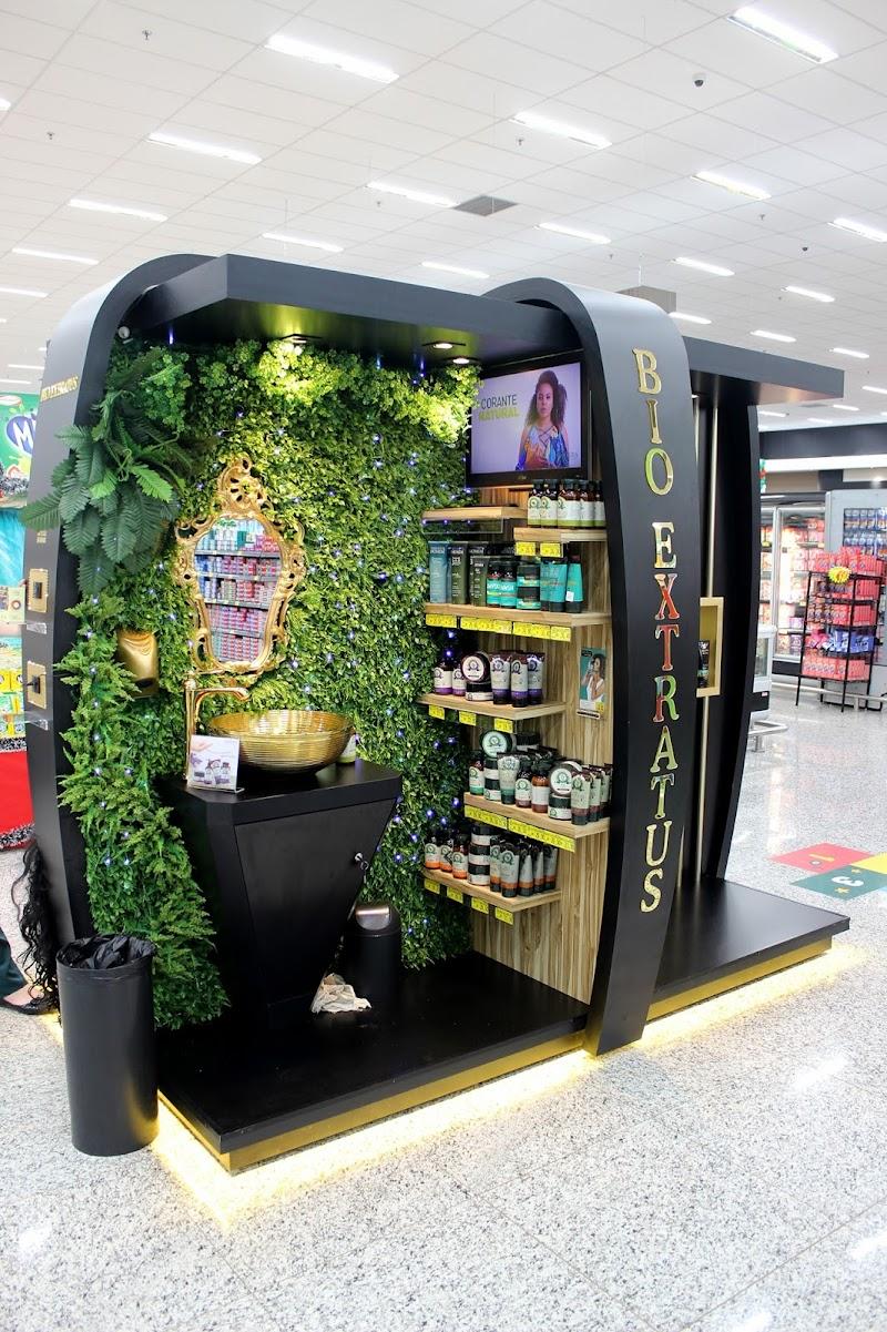 Marca de cosméticos cria ponto de venda que estimula clientes por meio de experiências sensoriais