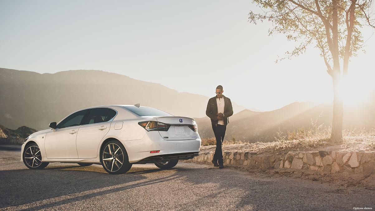 Lexus GS450h 2016 là một chiếc sedan hybrid rất mạnh mẽ