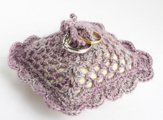 porte alliance violet dentelle crochet  - chez violette