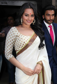 sonakshi sinha and ranveer singh at lootera movie first look launch (1)