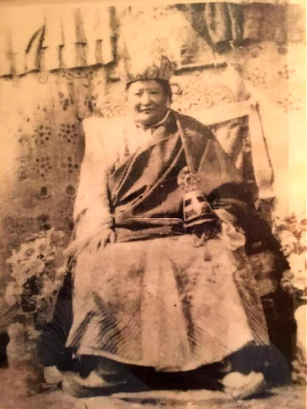 SAKYA KUN KHIAB CHO LING desde 1995: ANIVERSÁRIO DE NGAWANG