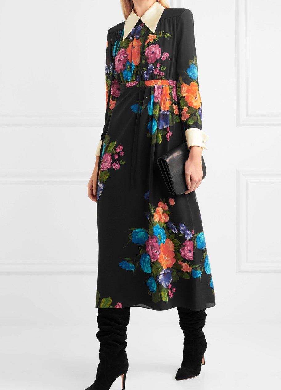Midikleid aus Crêpe de Chine aus Seide mit Blumenprint von Gucci