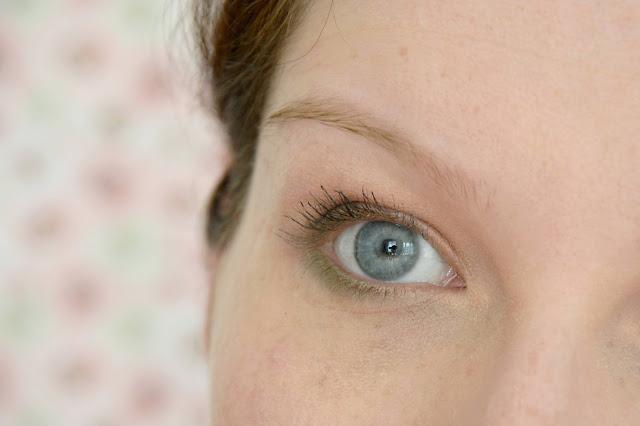 sourcils benefit