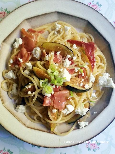 Spaghetti mit Feigen und Serano Schinken