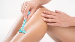 HILANGKAN BULU, PILIH WAXING ATAU CUKUR?  Kelemahan Waxing dan Cukur Bulu