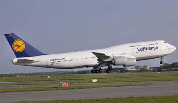 Pesawat terbang terbesar untuk penumpang sipil Boeing 747-81