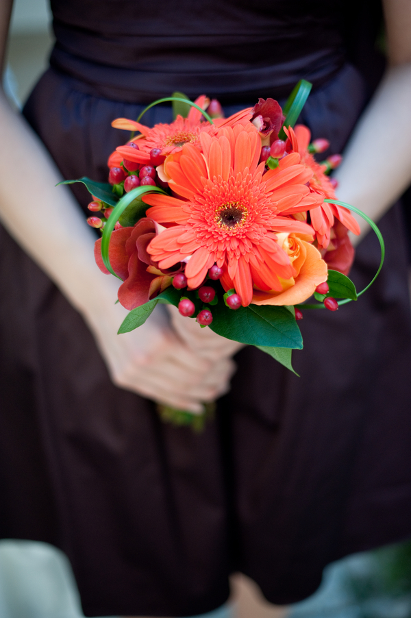 Fall+autumn+wedding+orange+red+halloween+pumpkin+hallows+eve+bride+groom+black+bridesmaids+dresses+orange+burnt+leaves+leaf+centerpieces+Alisha+Crossley+Photography+3 - The Bewitching Hour